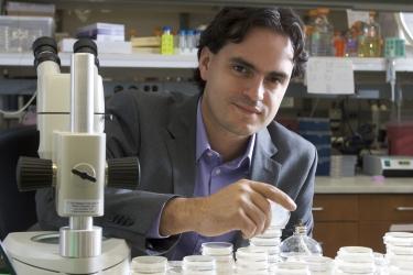Dr. Daniel Colón Ramos