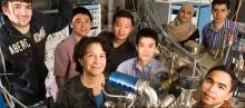 Dr. Tamargo con su grupo de investigación